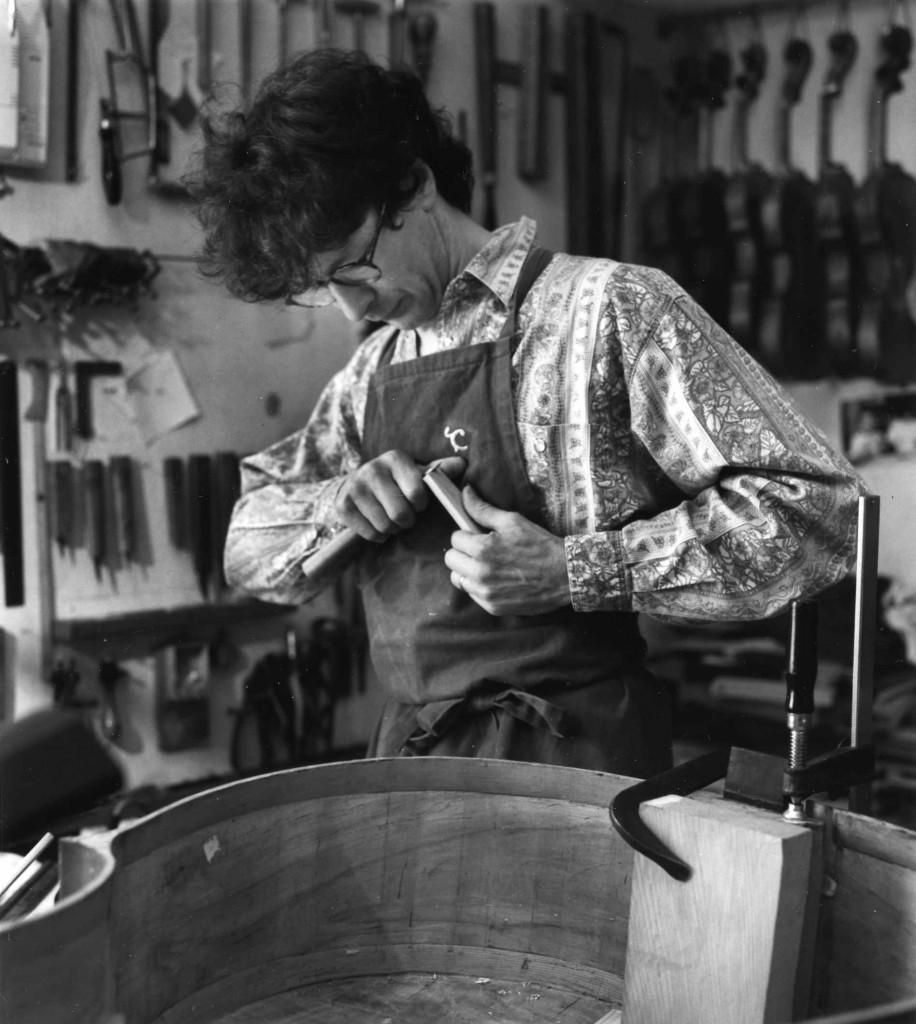 Le luthier Roland Terrier (cliché JD Braconnier)