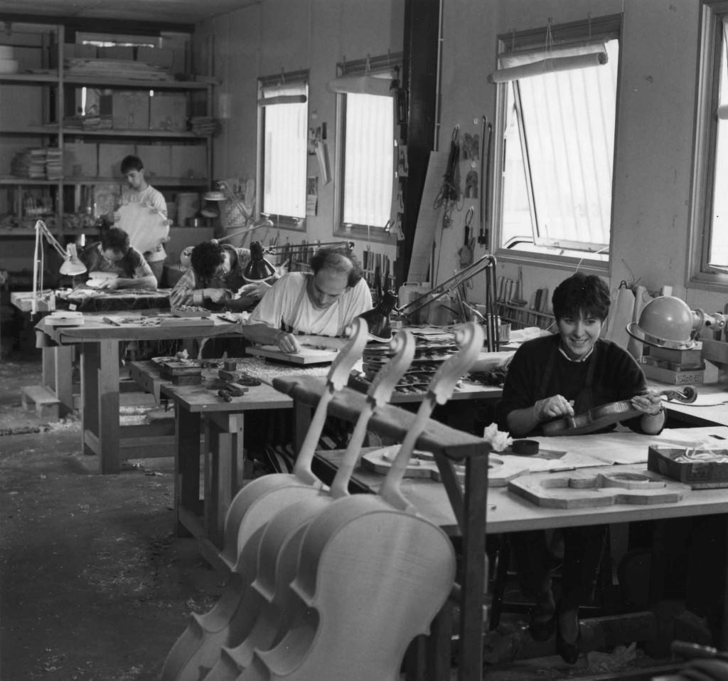 Atelier Alain Monier (successeur de la Somifi qui a succédé à la Sofraluth) à Mirecourt, vers 1995 (cliché J. D. Braconnier)