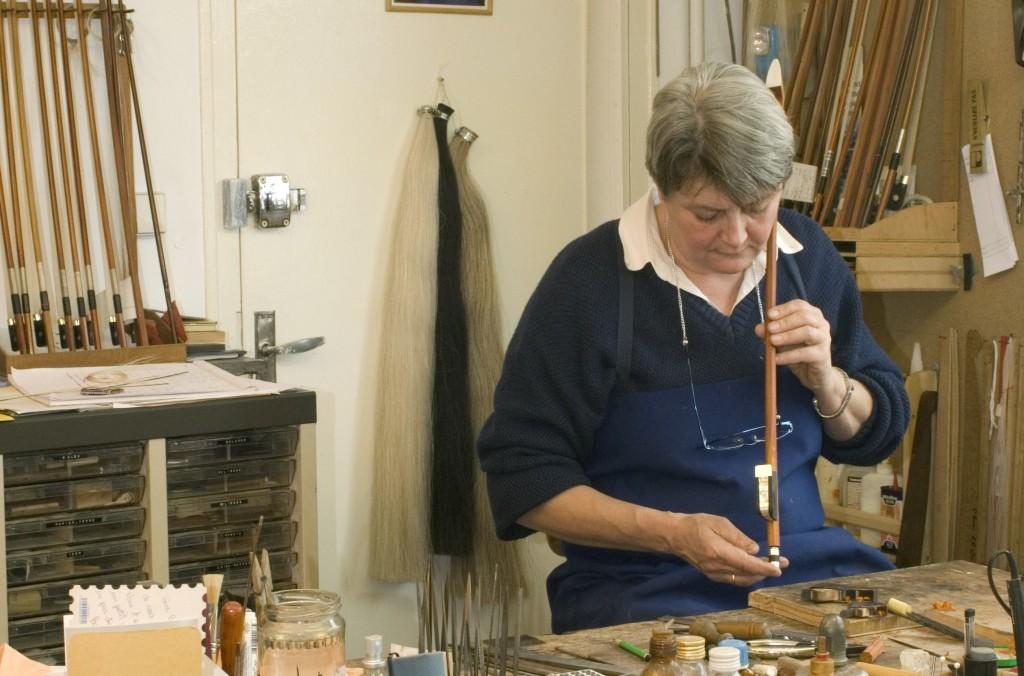Cathy Baroin exerçant dans l'ancien atelier de René Morizot