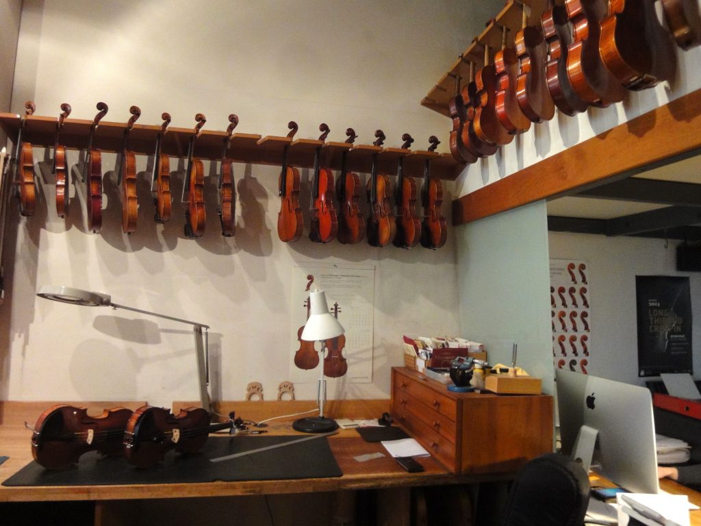 Atelier du luthier Pierre Barthel, Paris, juin 2016 (photo HCH)