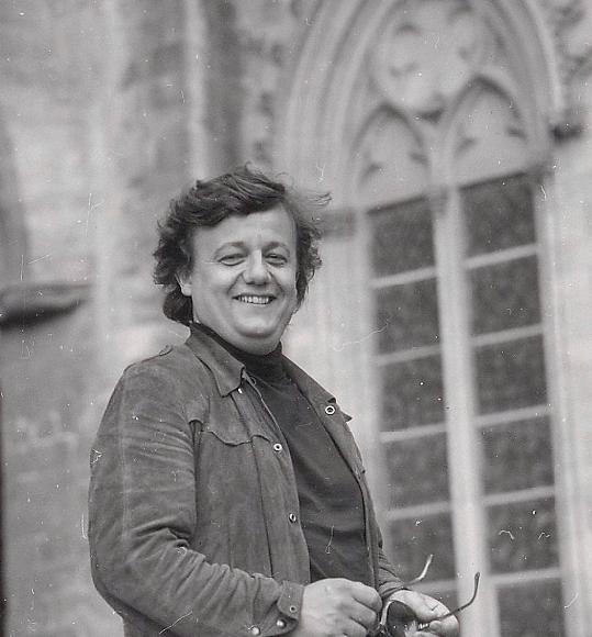 Portraits de Marcel Maréchal par Fernand Michaud. Festival d'Avignon. 1973. Domaine public. Source : wikimedia commons.